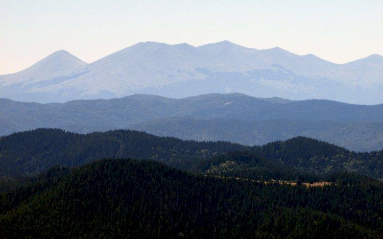 На покрива на Родопите:  Връх Широколъшки снежник