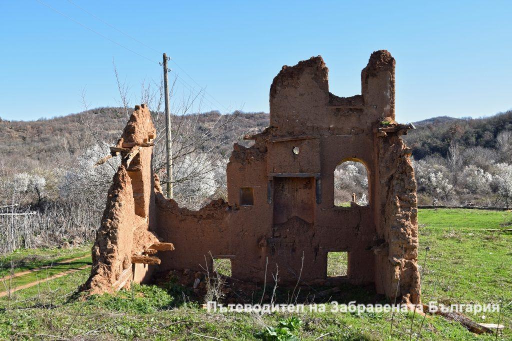 Хроники на Забравената България: Сив кладенец (Част 1)