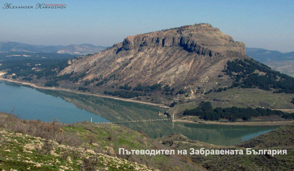 Крепостта Мнеахос