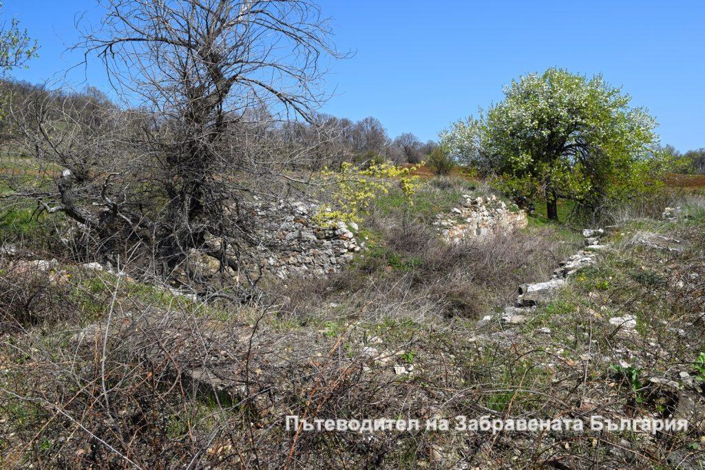 Останки от военното поделение на Черни рид