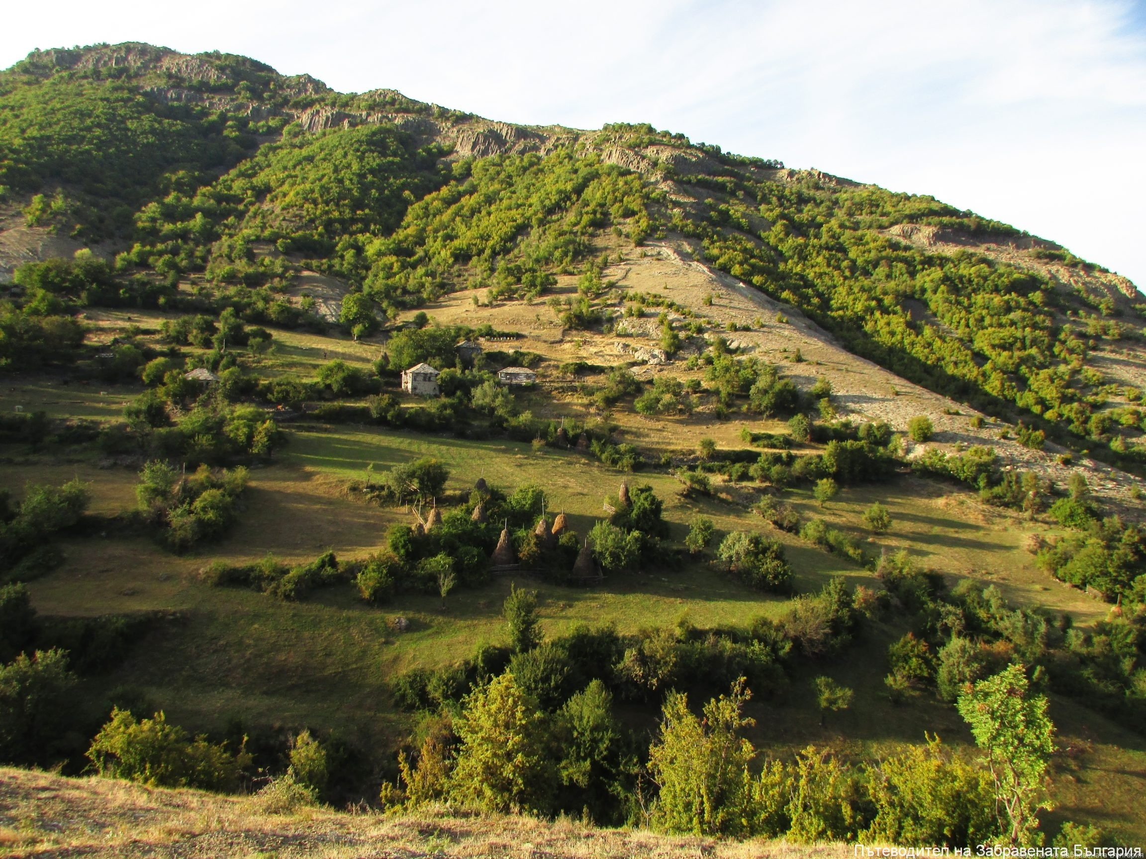 Най-затънтените родопски села - една история в снимки